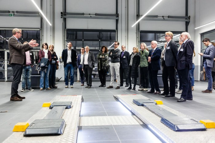 marketing vor ort bei mercedes benz beresa automobilhandel der zukunft mc. Black Bedroom Furniture Sets. Home Design Ideas
